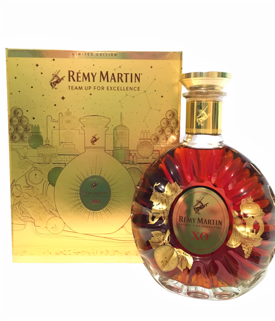 Remy Martin XO Cognac LIMITED EDITION gold coffret 40% 70cl + etui